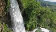 Famous for its many waterfalls and greenery, Edessa is virtually unknown to tourists. Main Attraction, Bus Station, Thessaloniki, Best Places To Eat, Train Rides, Macedonia, Greenery, Most Beautiful, Waterfall
