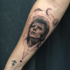 """""""Closer shot of Ellen's Dr Woo inspired Bowie piece. Did my first time lapse video today too!  Sponsored by @killerinktattoo #killerinktattoosupplies using…"""""""