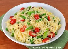 Lemon orzo salad w asparagus and tomatoes