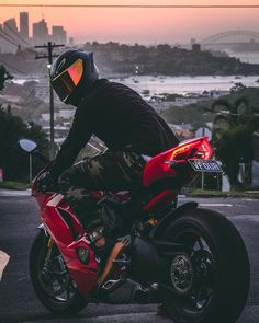 Motorcycle Outfit, Motorcycle Bike, Moto Wallpapers, Futuristic Motorcycle, Yamaha Yzf R6, Honda Motorcycles, Super Bikes, Bike Life, Motocross