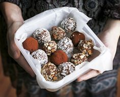 Choco-Almond Sweets Seven Minute Choco-Almond Truffles This is a quick late-night snack that we always seem to come back to. Healthy Desserts, Raw Food Recipes, Sweet Recipes, Delicious Desserts, Dessert Recipes, Yummy Food, Unique Recipes, Yummy Recipes, Healthy Food