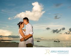 Jorge Rodriguez Photography - Destination Wedding Photography & Portrait based in Playa del Carmen, covering Tulum, Cozumel, Isla Mujeres, Cancun & Riviera Maya Mexico  - Engagement Pictures Xpu-Ha: Alisia & Zach stayed at Riu Tequila Hotel and they chose the amazing Xpu-Ha Beach for their engagement portraits, it was a sunny beautiful day, I love this place because we can have portraits done at the jungle and the beach. .During the photo shoot we had a little rain and the sky turned out…