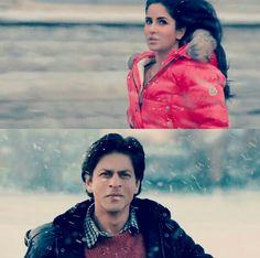 The first time he saw her. Katrina Kaif & Shahrukh Khan in Jab Tak Hai Jaan Shah Rukh Khan Movies, Shahrukh Khan, Srk Movies, I Love Him, My Love, Best Hero, Katrina Kaif, Bollywood Stars, Bollywood Actress