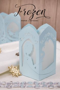 Project and Freebie: Paper Lantern Inspired by Disney's Frozen