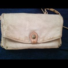 """Authentic Frye """"Jenny Cross body Handbag DESCRIPTION Small crossbody made in soft, burnished leather. FEATURES AND DIMENSIONS - Soft Vintage leather - 5"""" height - 9"""" width - 1"""" depth - 22 1/2"""" strap drop - 2 interior zip pockets - Snap closur  ✿¸¸.•*´¯ `✿Please check out all my other great items! ✿¸¸.•*´¯ `✿  ¸¸.•*¨*•*´¨) ¸.•´¸.•*´¨) ¸.•*¨) (¸.•´ (¸.•` ¤ Thank you! Bags Crossbody Bags"""