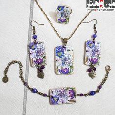 ست زیورآلات خاطرات: جهت آگاهي از جزئيات اين محصول و چگونگي خريد آن، لطفا به فروشگاه اينترنتي صنايع دستي من و هنر مراجعه فرماييد. www.manohonar.com Pendant Necklace, Jewelry, Jewlery, Jewerly, Schmuck, Jewels, Jewelery, Drop Necklace, Fine Jewelry