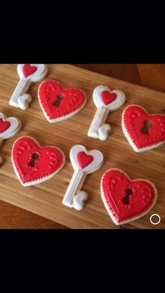 Key to my heart cookies by Heidissweetshoppe on Etsy https://www.etsy.com/listing/488903120/key-to-my-heart-cookies