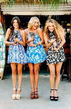 Summer printed swing dress & puppies  Hippie chic couture // bohemian style  Beach babes