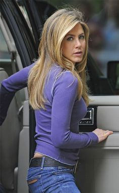 Celebs who can't stand Jennifer Aniston - Celebrities Female Jeniffer Aniston, Jennifer Aniston Pictures, Jennifer Aniston Style, Jennifer Lopez, Jennifer Aniston Makeup, John Aniston, Beauté Blonde, Rachel Green, Beautiful Actresses