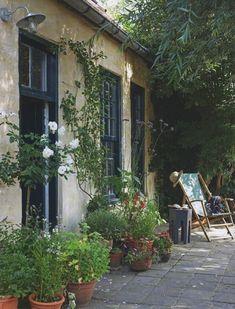 Outdoor Rooms, Outdoor Gardens, Outdoor Living, Stucco Exterior, Exterior Paint, Gray Exterior, Ranch Exterior, Garden Cottage, Home And Garden