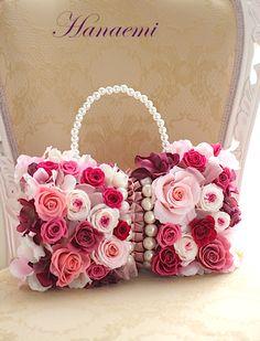 Flower Bag, Flower Girl Basket, Beautiful Flower Arrangements, Floral Arrangements, Blush Wedding Centerpieces, Birthday Wishes Flowers, Mothers Day Decor, Ribbon Jewelry, Alternative Bouquet