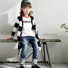Green Tomato is back for another season because it simply sells very well. Green Tomato is a kidswear brand from Korea. It makes unique basic wear clothing for boy and girl. Suitable to wear every day! Shop now: www.kkami.nl/product-category/green-tomato/ #GreenTomato #childrenfashion #unisex #Spring2018 #KKAMI