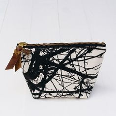 Tree Zipper Pouch (More Colors)  / Flowie