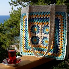 Free and easy 45 Different colors Crochet Bag and Handbag Ideas bag crochet pattern free; Crochet Wallet, Crochet Tote, Crochet Handbags, Crochet Purses, Crochet Gifts, Knitting Blogs, Knitting Patterns, Crochet Patterns, Happy Evening