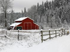 Red Barn in Winter Snow Farm Barn, Old Farm, Country Barns, Country Life, Country Living, Barn Pictures, Winter Pictures, Pretty Pictures, Dutch Colonial