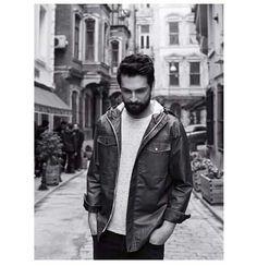 Onur tuna Turkish Men, Turkish Beauty, Turkish Actors, Stylish Men, Men Casual, Beautiful Men Faces, Male Face, Classic Outfits, Tuna