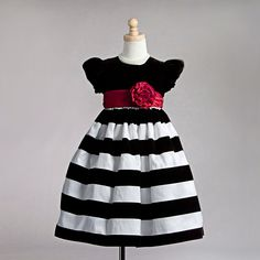 Resultado de imagem para girls black and white dress
