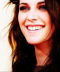 Kristen Stewart ❤  ~ I Love her smile