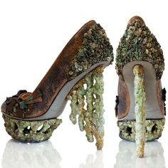 Found on the Titanic. NOPE: It is actually a shoe design by Anastasia Radevich. Anastasia is a Canadian footwear designer of Belarusian origin. Built by Harland & Wolff Rms Titanic, Titanic Photos, Titanic History, Titanic Ship, Titanic Wreck, Titanic Movie, Anastasia, Titanic Artifacts, Crazy Shoes