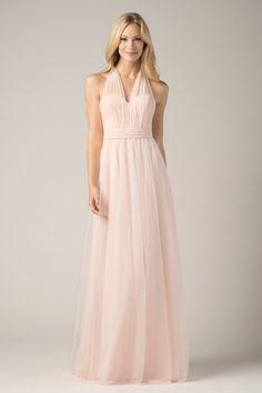 Aqui tenemos un bonito vestido de color salmon clarito la verdad yo me lo pondria para ir de invitada a una boda