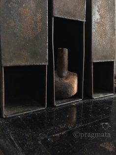 """""""Singularity"""" Ceramic vase by Izumita Yukiya 「単独」 陶芸花瓶、泉田之也 #pragmata"""