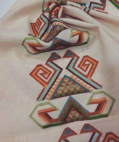 #hayalinizdeki renk ve tasarımları gelin birlikte yapalım susma #salontakimi #kilimdesen #zerafeti#elemeğigöznuru kişiye özel #tasarımlar #özel Tasarım Atölyesi Trabzon ☎0505 615 15 72 maraş cad yapı kredi yani kardeşler iş hanı no 12 Cross Stitch Embroidery, Hand Embroidery, Cross Stitch Patterns, Embroidery Designs, Bargello, Mirror Work, Stitch 2, String Art, Needlepoint