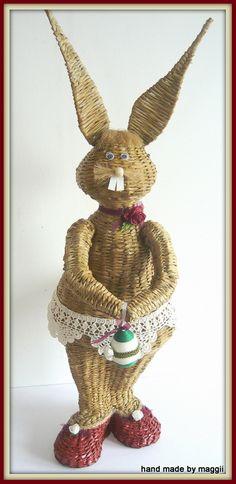 ,rabbit Straw Weaving, Paper Weaving, Basket Weaving, Hand Weaving, Diy And Crafts, Arts And Crafts, Paper Straws, Easter Crafts, Paper Art