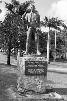 James Cook statue Cooktown yourtrails.com.au