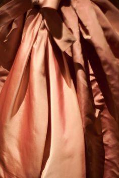 peach and copper silk gown by Balenciaga Copper Rose, Copper Color, Color Cobre, Vogue, Bronze, Silk Gown, Silk Satin, Advanced Style, Creative Colour