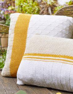 Lana Grossa QUADRATISCHES KISSEN Landlust Sommerseide - LANDLUST No. 4/2019 - Modell 4 | FILATI.cc Onlineshop King Cole, Knit Pillow, Knitting Projects, Models, Knit Crochet, Cushions, Throw Pillows, Crocheting, Tejidos