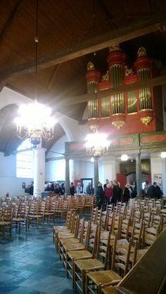 Vanmorgen gedirigeerd en gespeeld in de Dorpskerk van Poortugaal tijdens een uitvaart. Prachtige kerk!