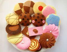 DIY felt Lovely Cookie set11 in 1PDF Pattern via door fairyfox