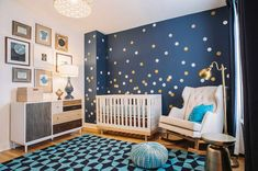 Trendy nursery design inspired by the night sky 25 Brilliant Blue Nursery Designs That Steal the Show! Baby Bedroom, Baby Boy Rooms, Baby Boy Nurseries, Kids Rooms, Kids Bedroom, Room Baby, Room Kids, Navy Nursery, Nursery Room
