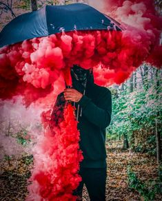 Unleash your creativity with Shutter Bombs ♦️💨💣 Double up smoke bombs & incorporate props like did in this amazing photo! Smoke Bomb Photography, Photography Photos, Creative Photography, Umbrella Photography, Photography Settings, Bath Photography, Photography Exhibition, Photography Studios, Photography Courses