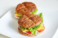 Lowcarb tvarohové housky – Deník malé požitkářky Low Carb Keto, Salmon Burgers, Food And Drink, Ethnic Recipes, Healthy Food