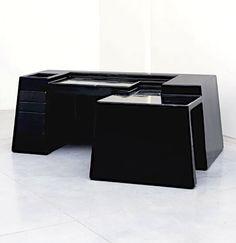 Vittorio Introini; Gel-Coated GRP Plastic Desk for Saporiti, c1969.