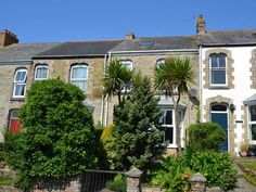 A beautifully presented Victorian town house in the middle of Truro.