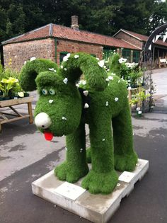Oops a Daisy. Gromit Unleashed @ Tyntesfield National Trust.