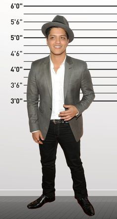 "Bruno Mars (5'5""). 