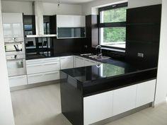 b&w Kitchen Cupboard Designs, New Kitchen Designs, Kitchen Room Design, Home Room Design, Kitchen Layout, Home Decor Kitchen, Interior Design Kitchen, Kitchen Modular, Open Plan Kitchen Living Room
