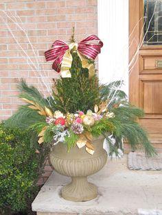 #pottery #planters #containers #pots  www.pocketfullofposiesdesign.com