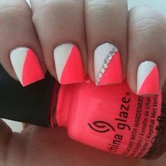 Coral & white. I love these. It's very pretty<3. I should have done these for my sisters wedding they were her colors