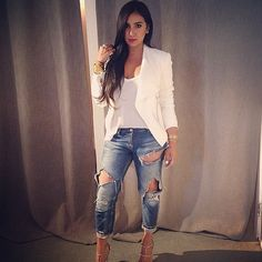 My all time favorite look white top blue denim bottoms and heels to make it pop