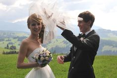 Ski Jumping, Olympians, Skiing, Jumpers, Wedding Dresses, Google, Sports, Ski, Bride Dresses