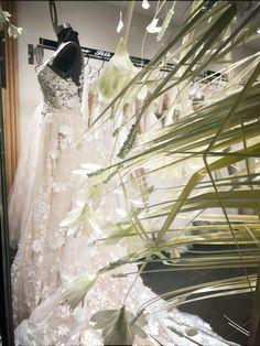 Γοργονε νυφικο με αποσπώμενη ουρα σε nude απόχρωση collection 2018