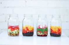 Pin for Later: How to Pack a Perfect Mason Jar Salad Continue Layering Mason Jar Meals, Meals In A Jar, Mason Jars, Food To Go, Good Food, Yummy Food, Salad In A Jar, Soup And Salad, Healthy Snacks