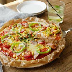 生地から手作り♪フライパンひとつで簡単ピザレシピ Daily Meals, Vegetable Pizza, Sandwiches, Bakery, Keto, Bread, Vegetables, Health, Recipes