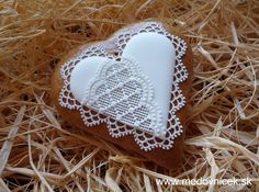 Vianocne Medovniky | Srdiečko 24; 7,5 cm Gingerbread, Valentines Day, Crochet Earrings, Cookies, Jewelry, Wafer Cookies, Sweets, Drop Cookie Recipes, Decorated Cookies