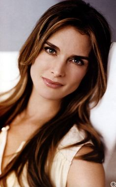 Brooke Shields - eyebrows and hair