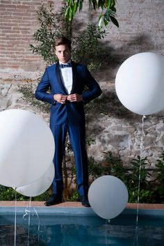 SHOWROOMS MODA NOVIO. No te quedes sin tu plaza info@trajessenor.com T 938727395 (plazas limitadas)  #bride #groom #wedding #weddings #bodas #novio #traje #boda #diciembre #suits #suitup #suit #bridestyle #groomstyle http://trajessenor.com/showroom-nuvis/  Documentary Wedding Photographer